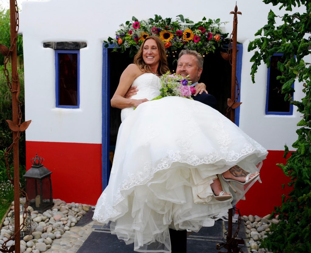 Elope to Cornwall wedding review from Della and Joe