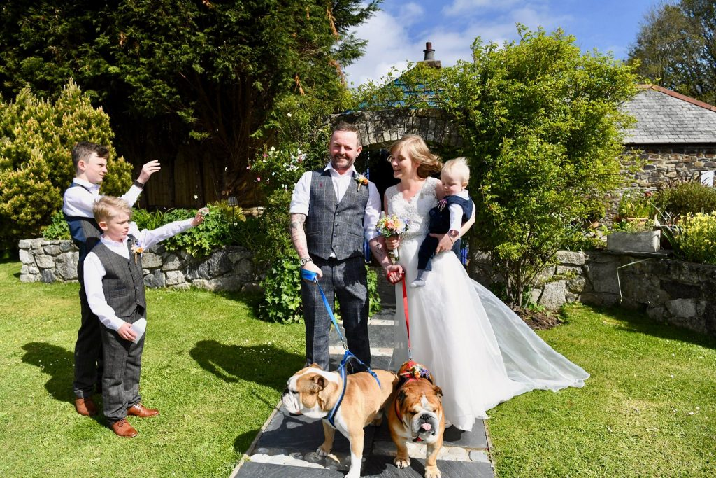 Real Weddings: Billy and Amie's Dog-friendly Family Elopement