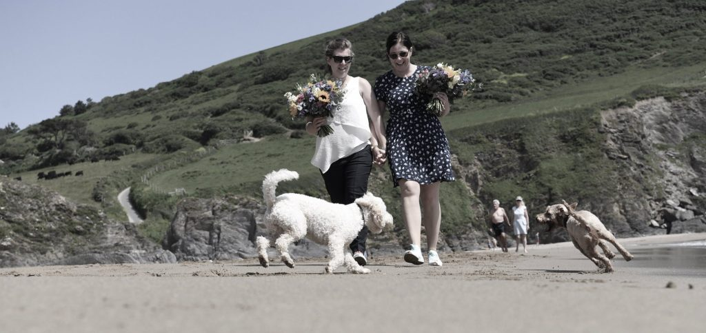 Real Weddings: Chilled dog-friendly elopement for Natalie & Shona